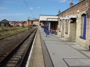 a bHarwich_Town_railway_station_platform